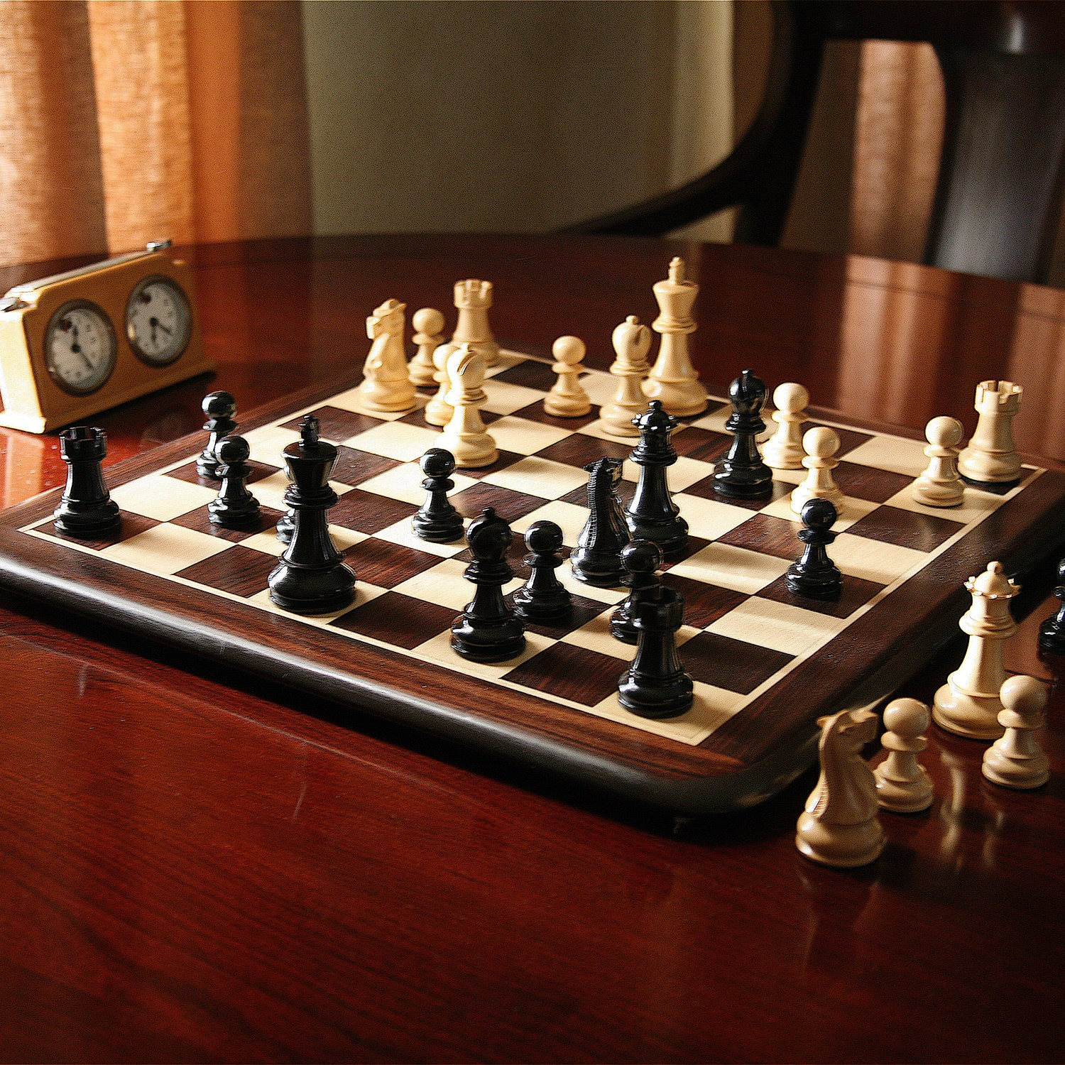Grand Staunton Rosewood Chess Set Weighted Pieces